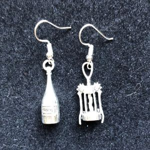 Jewelry - WINE THEMED EARRINGS